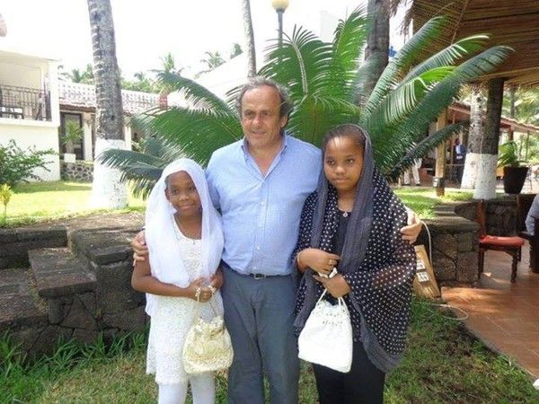 Visite de Michel Platini à Moroni